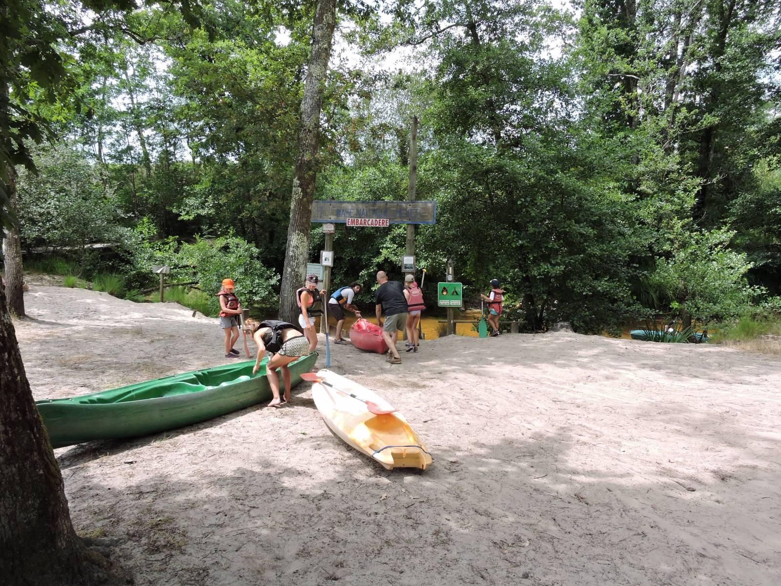 id e d 39 activit pour enterrement de vie de gar on dans les landes descente en cano kayak. Black Bedroom Furniture Sets. Home Design Ideas
